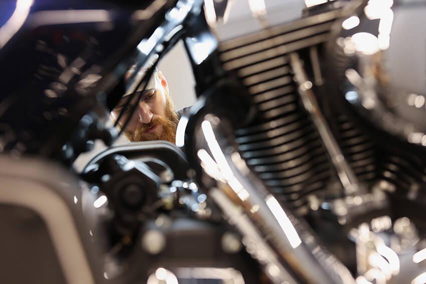Limpeza a vapor de motos: uma opção segura e cada vez mais aceita pelos amantes das duas rodas.